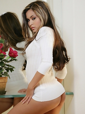 Long sleeve white top with black pantys